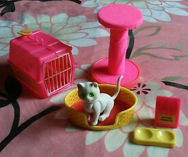 """Vintage Barbie Cat """"Fluff"""" with accessories"""