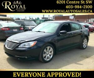 2013 Chrysler 200 Touring PWR EVERYTHING, HEATED SEATS, MP3