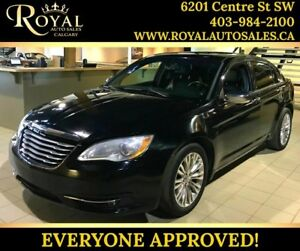 2012 Chrysler 200 Limited SUNROOF, LEATHER, BLUETOOTH