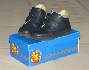 Toddler size 9.5, Arauto RAP leather shoes (100% leather).