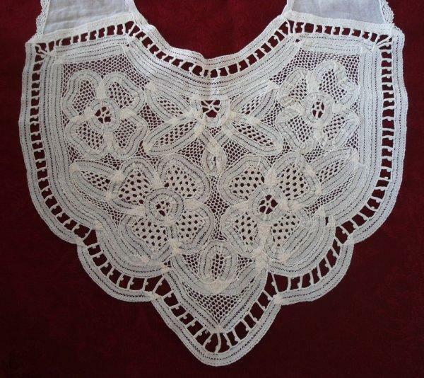Vintage Renaissance Tape Lace Collar Ivory Cotton Bodice