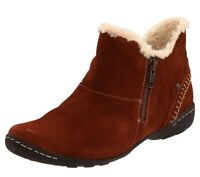 Hush Puppies Women's Clyburn Ankle Boot Brown, Size 7 M