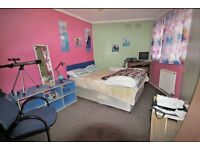 1 Bed flat with Balcony near Elephant and Castle.