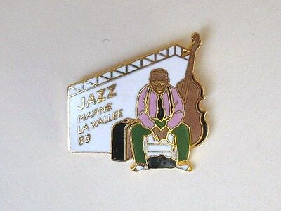 La Jazz Festival - PIN'S pins JAZZ FESTIVAL de Marne la Vallée 1989 dessiné par TED BENOIT BD Blanc