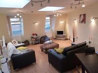 Spacious Split Level 2 Bed, 2 Bath Flat On Battersea High Street Mins Clapham Junction SW11 3JR