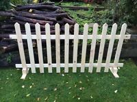 *UNLIMITED STOCK* WOODEN FREE STANDING SMOOTH PICKET FENCING 6FT X 3FT PT PRICE INCLUDES DELIVERY!