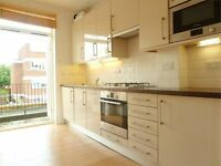Beautiful 1 Bed Flat With Private Balcony Mins From Clapham Junction Station And Local Amenities
