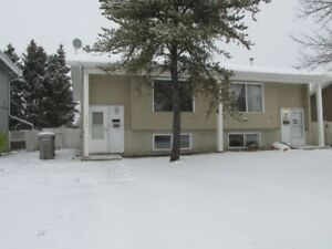 3 Bed, 1.5 Bath Townhouse, AB Side