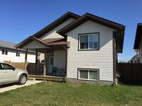 HOUSE FOR RENT SK SIDE