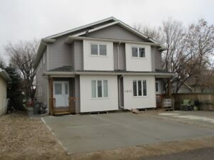 Great Townhouse SK Side