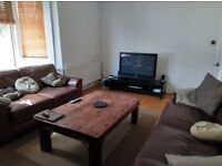 Double bedroom, 675£. Living room, no agencies, no fees. Big house in the heart of Fulham