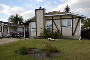 2 Bedroom basement suite in Cul-De-Sac & Utility included!