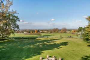Stunning views! Large bungalow suitable for inlaws/large family!