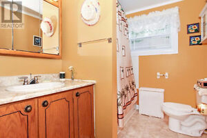 House for Sale in Conception Bay South St. John's Newfoundland image 7