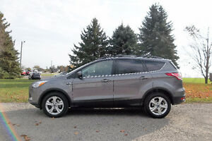 2013 Ford Escape SE 4 Cylinder. 4 BRAND NEW TIRES & ONLY $14 950