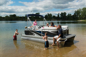 Luxury and compact pontoons, 13 to 20 feet !