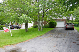 Beautiful 4 Bedroom Colby Village Home, Minutes from Shearwater!