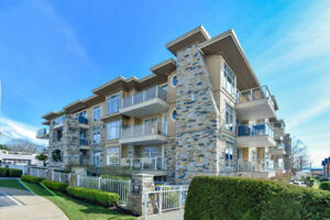 NEW LISTING: Beautiful Over sized Condo in Fantastic White Rock