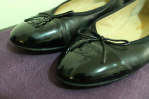 CHANEL flats - shoes - Size 39 - Leather - 100 % Authentic