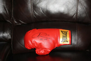 Boxing star Joe Calzaghe signed glove