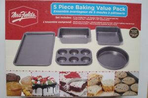 MRS FIELDS 5 PIECE BAKING SET 75% OFF
