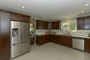 BEAUTIFULLY UPDATED Family home on .22 acre Comox / Courtenay / Cumberland Comox Valley Area image 7