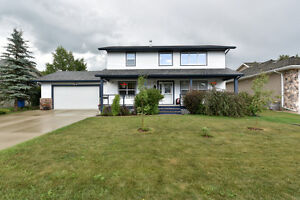 Beautifully finished family home in Lacombe!
