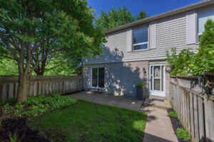 OAKRIDGE -- Large updated 3 bedroom townhouse for rent.