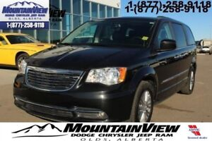 2016 Chrysler Town  Country Touring  -  Power Tailgate