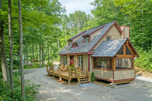 Private 18 Acre Chalet-Style Home - 279 Farlain Lake Rd E., Tiny