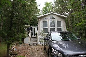 SPACIOUS,40 ft GLENDALE COTTAGER MOBILE HOME(close to Mt.Forest)