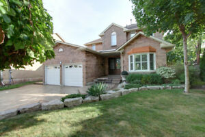 Oakville Fully Furnished 4 Bedrooms Detached Home For Rent