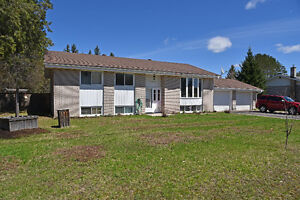 GREAT HOME AND YARD FOR FAMILY AND PETS ID#1040883