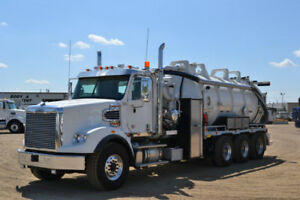 *NEW * Freightliner 122SD with PRESVAC Straight Vac *REDUCED*