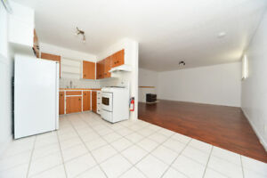 GREAT LOCATION: 1 Bedroom, 1 Bath near NAIT and Kingsway