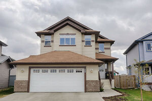 NEW LISTING in Morinville, South Glens
