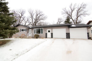 Gorgeous bungalow style home. 150 Ross Place, Carman