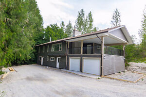 Salmon Arm - Private 4bdrm Home with Inlaw Suite