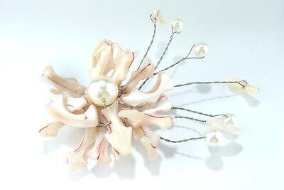 Große Perlmutt Brosche mit künstlichen Perlen. 39gr. Größe ca. 11,5x8cm