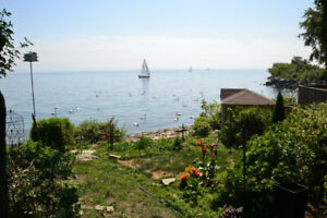 Beautiful Waterfront 3 Bedroom Home Toronto with Beach