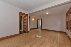 LUXURY ALL INCLUSIVE: May 1st Student Rental- 5 Bdrms London Ontario image 3