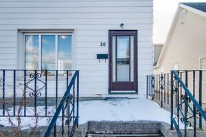 Great Investment -Detached Home in North Galt