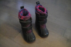 Baby  Northoern Climate  Boots Waterproof  Insulated Snow size 6