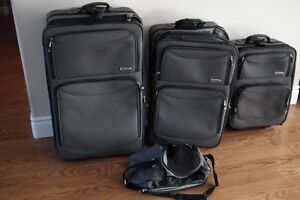 4 piece set West Jet Luggage