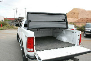 Soft Tri-Fold Tonneau Cover Nissan Frontier 2005-2015 London Ontario image 8
