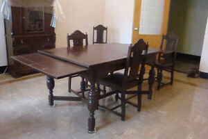 Krug Bros. & Co. Dining Room Set