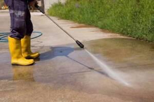 Cleaning Hi Pressure Concrete Driveway, Patio, Pathways
