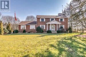 Beautiful Private Country Home !!! REDUCED !