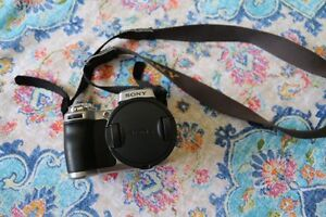 Sony DSC-H1 Digital and Video CamRecorder - Great for Beginners Mount Gravatt Brisbane South East Preview