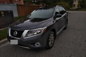 2014 Nissan Pathfinder SL, 4WD, Rear Camera, Leather Seats